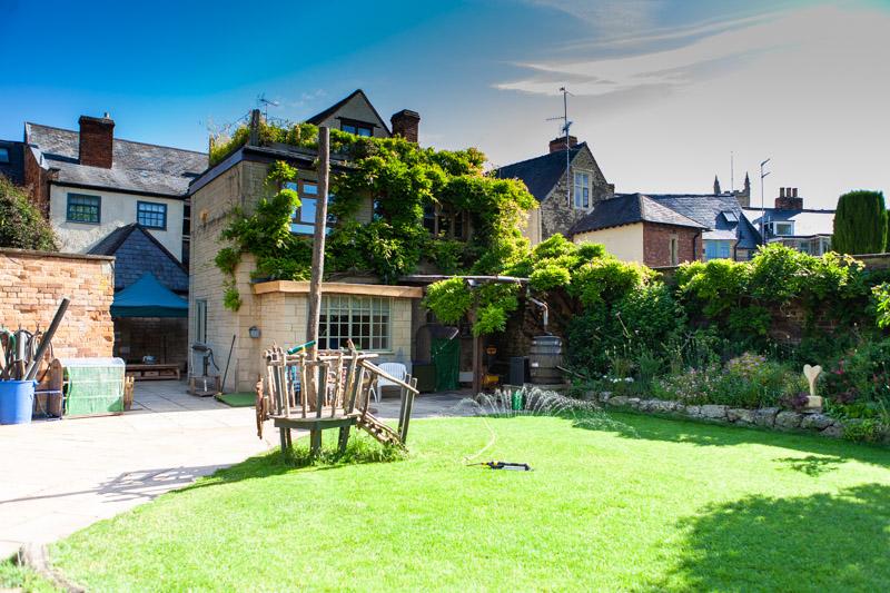 acorns-nursery-school-cirencester-gardens-slider-1