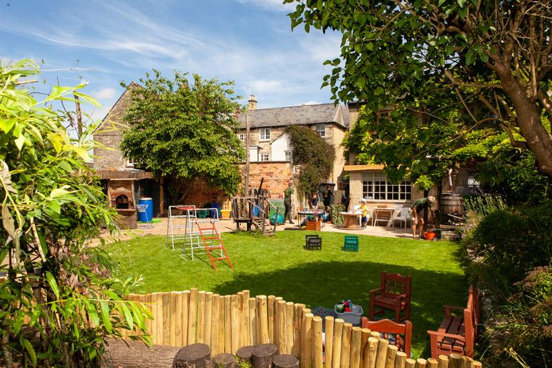 acorns-nursery-school-cirencester-gardens-slider-12