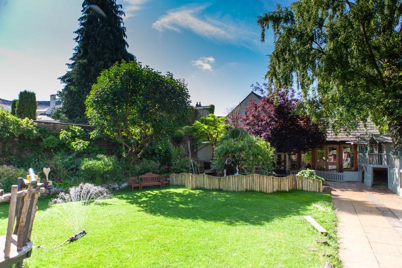 acorns-nursery-school-cirencester-gardens-slider-2