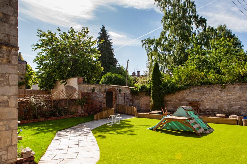 acorns-nursery-school-cirencester-gardens-slider-3