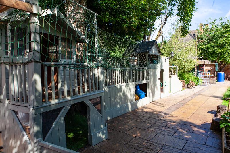 acorns-nursery-school-cirencester-gardens-slider-5