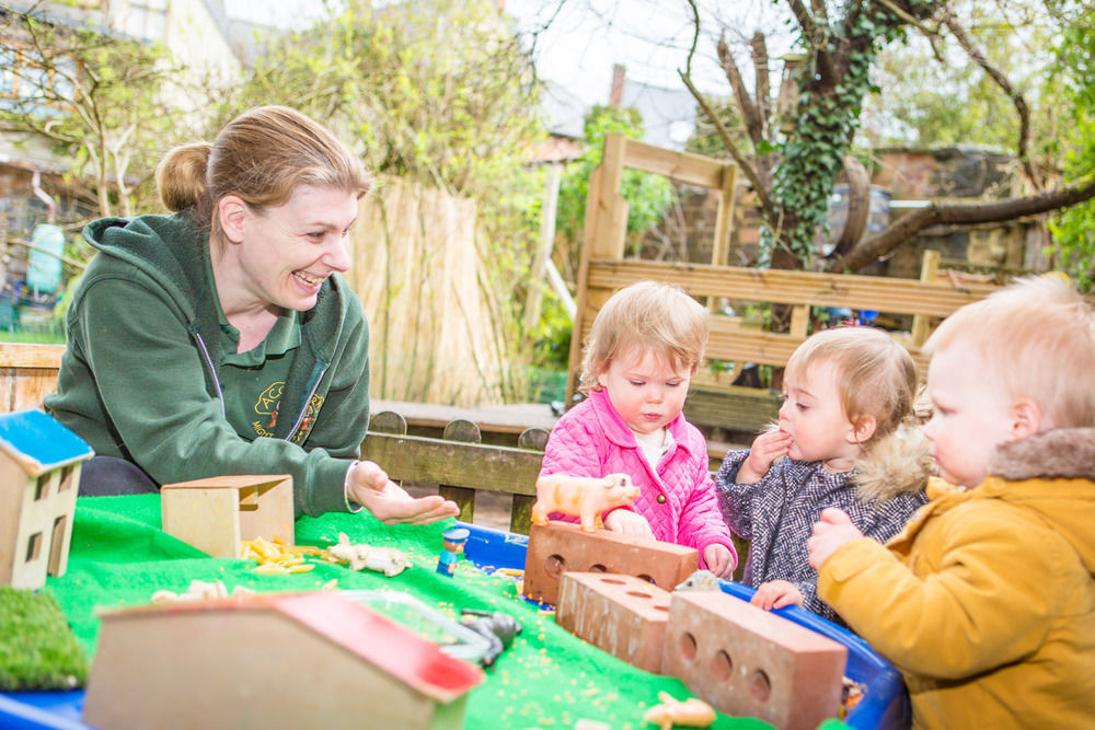 acorns-nursery-school-cirencester-babies-20
