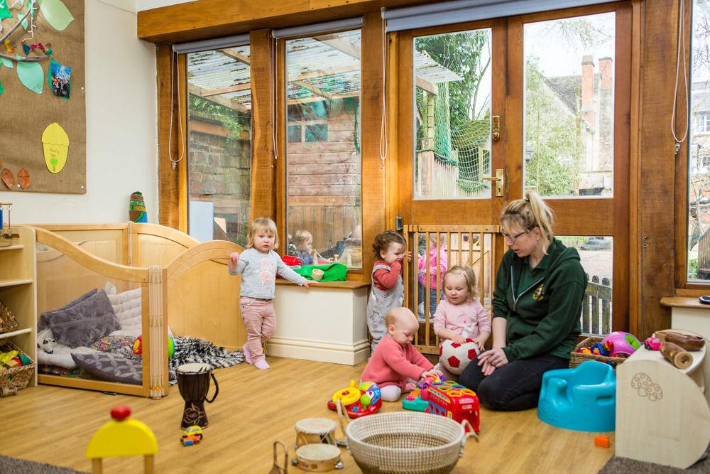 acorns-nursery-school-cirencester-babies-32