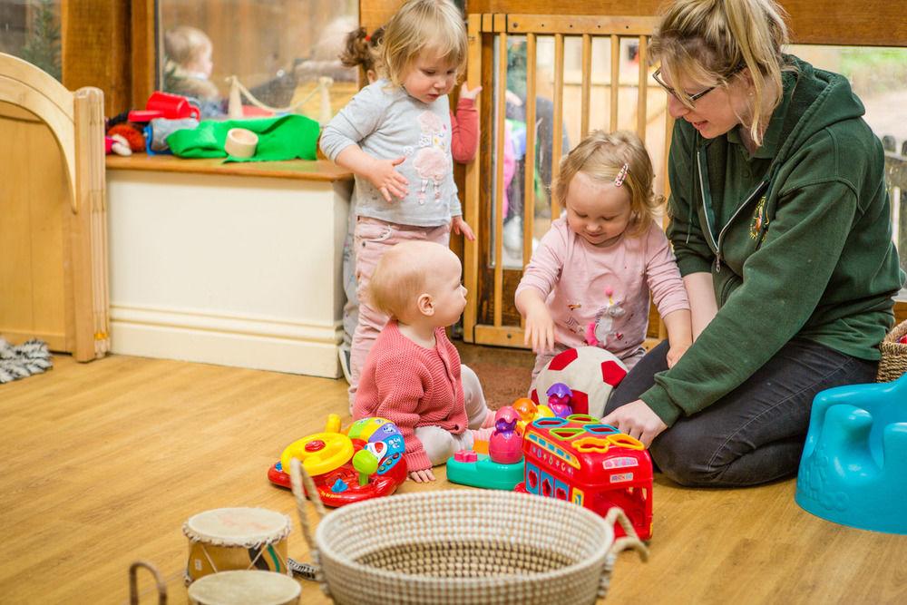 acorns-nursery-school-cirencester-babies-34