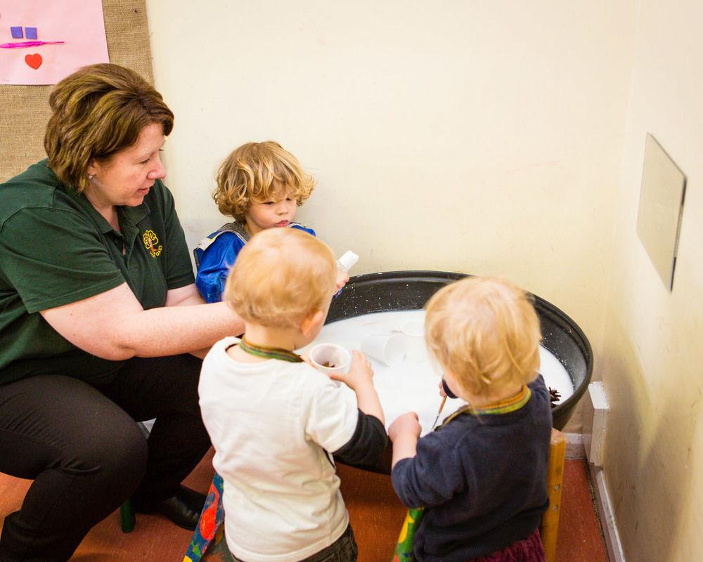 acorns-nursery-school-cirencester-toddlers-38